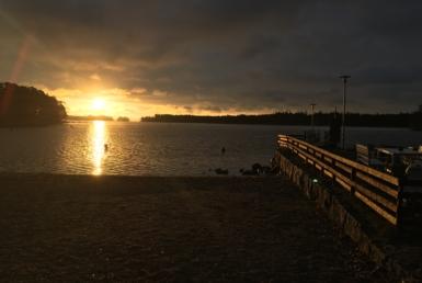 Villa Furuvik merenranta auringonlasku