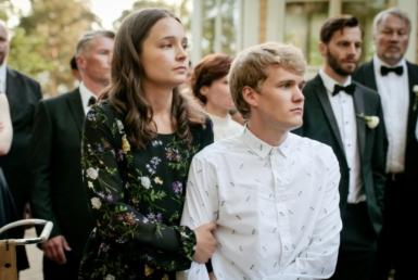 Kakarat Elli Melasniemi ja Vincent Kinnunen Villa Furuvikin juhlasalissa